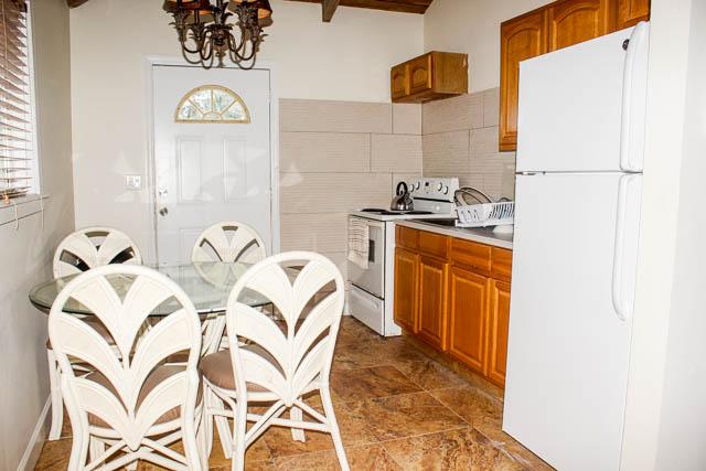 Beachfront-Cottage-in-East-Grand-Bahama-Ushombi-7