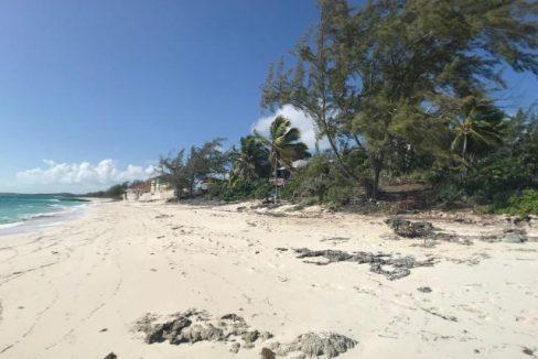 Paradise-Point-Beachfront-Home-Exuma-Exuma-Cays-Bahamas-Ushombi-4