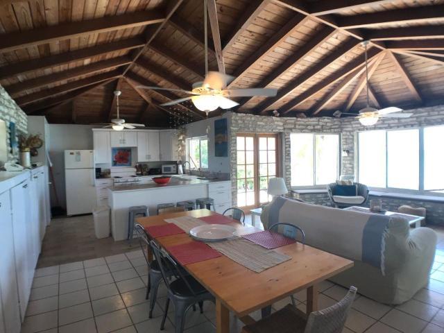 Paradise-Point-Beachfront-Home-Exuma-Exuma-Cays-Bahamas-Ushombi-6