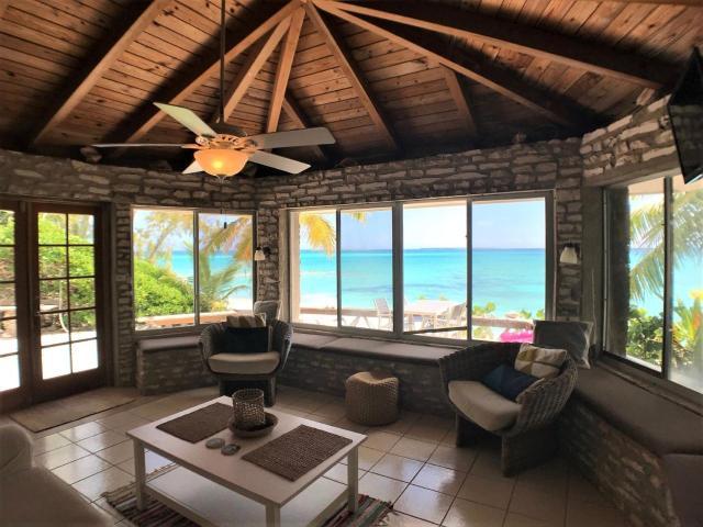 Paradise-Point-Beachfront-Home-Exuma-Exuma-Cays-Bahamas-Ushombi-7