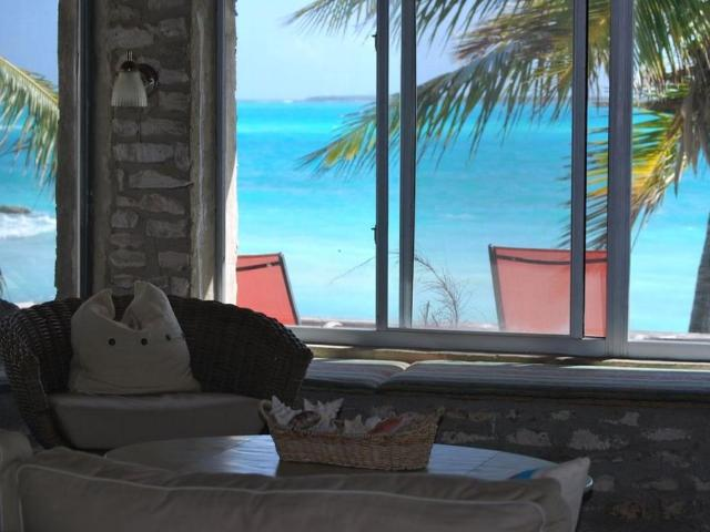 Paradise-Point-Beachfront-Home-Exuma-Exuma-Cays-Bahamas-Ushombi-8