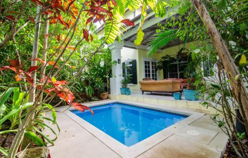 Treetops-2-Lyford-Cay-Bahamas-Ushombi-24