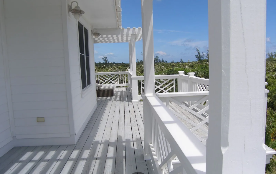 miss-ruby-banks-road-banks-road-governors-harbour-bahamas-ushombi-19