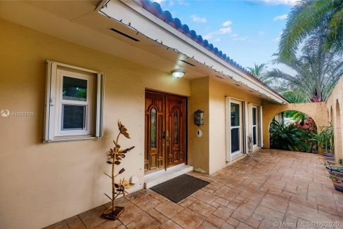 7211-SW-146th-Terrace-Palmetto-Bay-Florida-Ushombi-4