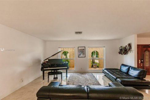 7211-SW-146th-Terrace-Palmetto-Bay-Florida-Ushombi-8