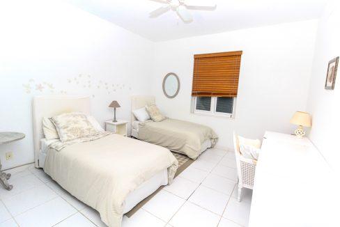 Beautiful-St-Johns-Point-Home-Grand-Bahama-Freeport-Bahamas-Ushombi-14