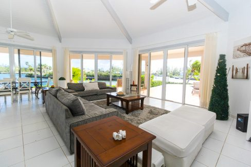 Beautiful-St-Johns-Point-Home-Grand-Bahama-Freeport-Bahamas-Ushombi-29