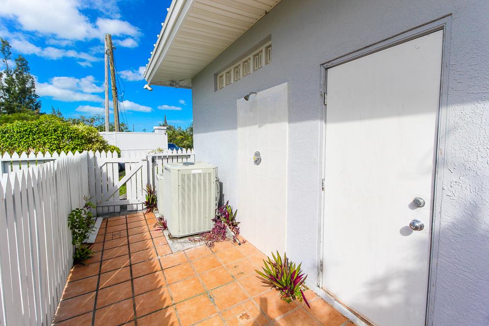 Beautiful-St-Johns-Point-Home-Grand-Bahama-Freeport-Bahamas-Ushombi-4