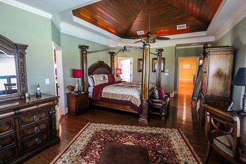 Luxurious-Canal-Front-Estate-in-Fortune-Bay-Grand-Bahama-Freeport-Bahamas-Ushombi-15
