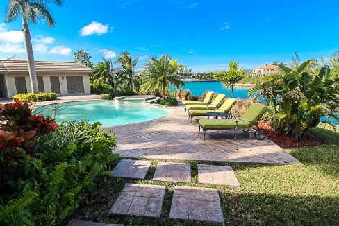 Luxurious-Canal-Front-Estate-in-Fortune-Bay-Grand-Bahama-Freeport-Bahamas-Ushombi-2