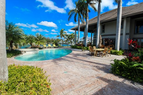 Luxurious-Canal-Front-Estate-in-Fortune-Bay-Grand-Bahama-Freeport-Bahamas-Ushombi-23