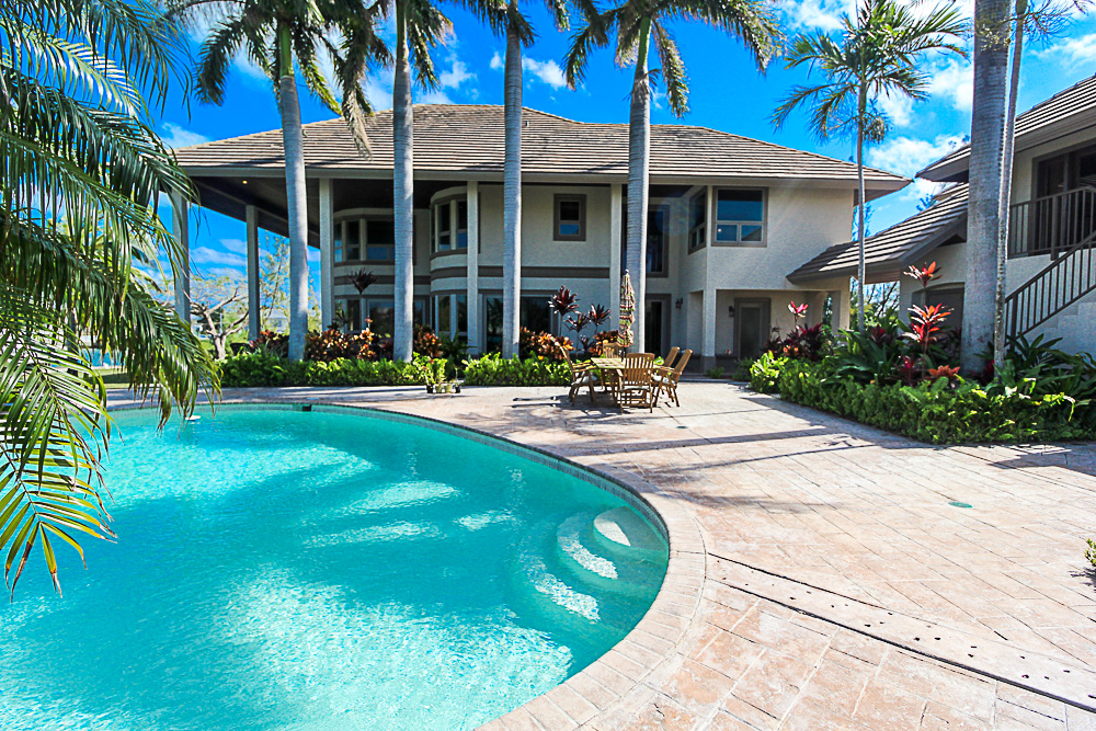 Luxurious-Canal-Front-Estate-in-Fortune-Bay-Grand-Bahama-Freeport-Bahamas-Ushombi-24