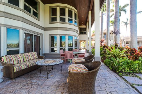 Luxurious-Canal-Front-Estate-in-Fortune-Bay-Grand-Bahama-Freeport-Bahamas-Ushombi-29