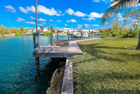 Luxurious-Canal-Front-Estate-in-Fortune-Bay-Grand-Bahama-Freeport-Bahamas-Ushombi-31