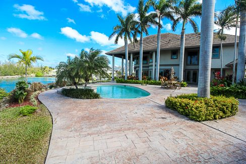 Luxurious-Canal-Front-Estate-in-Fortune-Bay-Grand-Bahama-Freeport-Bahamas-Ushombi-33
