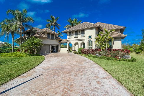 Luxurious-Canal-Front-Estate-in-Fortune-Bay-Grand-Bahama-Freeport-Bahamas-Ushombi-34