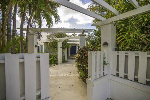 scandinavian-inspired-canalfront-home-grand-bahama-freeport-bahamas-ushombi-2