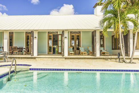 scandinavian-inspired-canalfront-home-grand-bahama-freeport-bahamas-ushombi-34