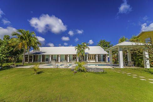 scandinavian-inspired-canalfront-home-grand-bahama-freeport-bahamas-ushombi-37