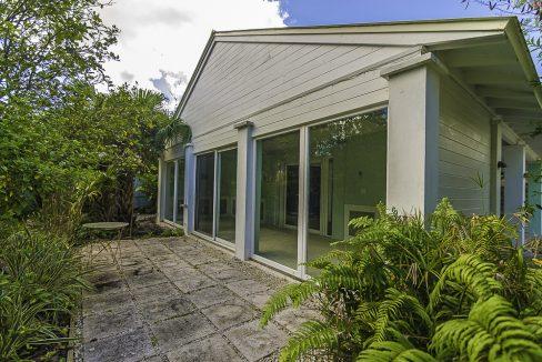 scandinavian-inspired-canalfront-home-grand-bahama-freeport-bahamas-ushombi-4