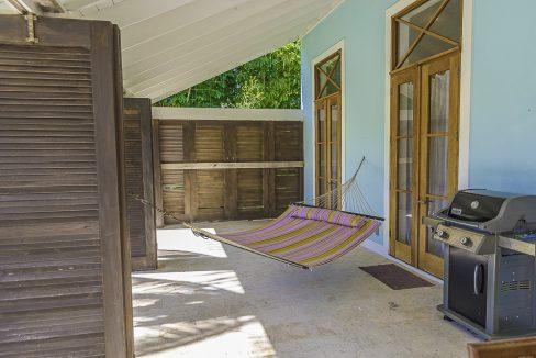 scandinavian-inspired-canalfront-home-grand-bahama-freeport-bahamas-ushombi-42