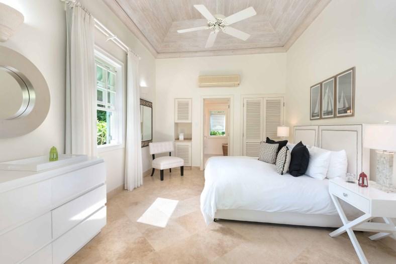 Bananaquit-Sugar-Hill-Estate-Plantation-Drive-St-James-Barbados-Ushombi-15