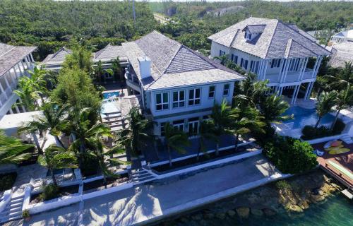 Charleston-Old-Fort-Bay-Bahamas-Ushombi-27