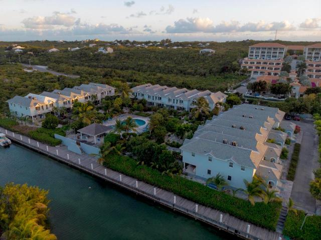 canal-front-town-homes-providenciales-turks-and-caicos-ushombi-16