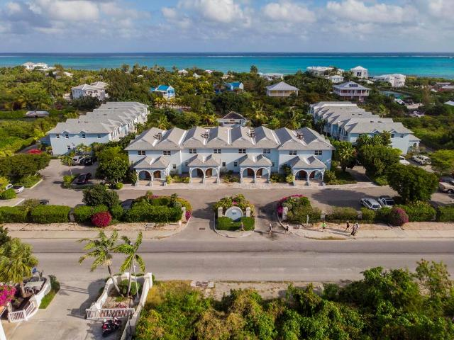canal-front-town-homes-providenciales-turks-and-caicos-ushombi-3