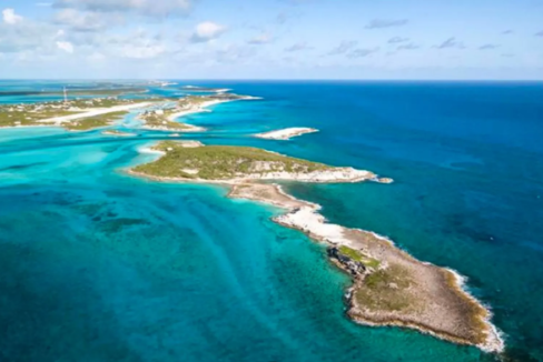 lumber-cay-exuma-cays-exuma-bahamas-ushombi-2