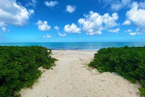 5-Love-Beach-Walk-Paradise-Island-Bahamas-Ushombi-18