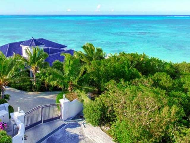 BLUE-MOUNTAIN-WATER-FRONT-Providenciales-TC-Ushombi-4