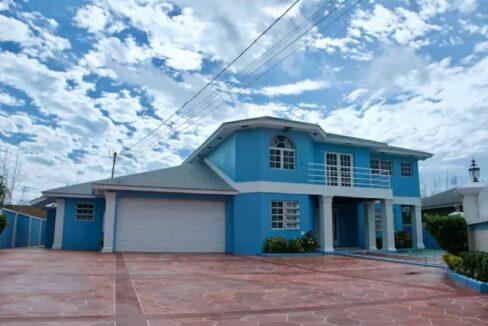 Tropical-Gardens-Nassau-Bahamas-Ushombi-1