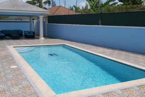 Tropical-Gardens-Nassau-Bahamas-Ushombi-4