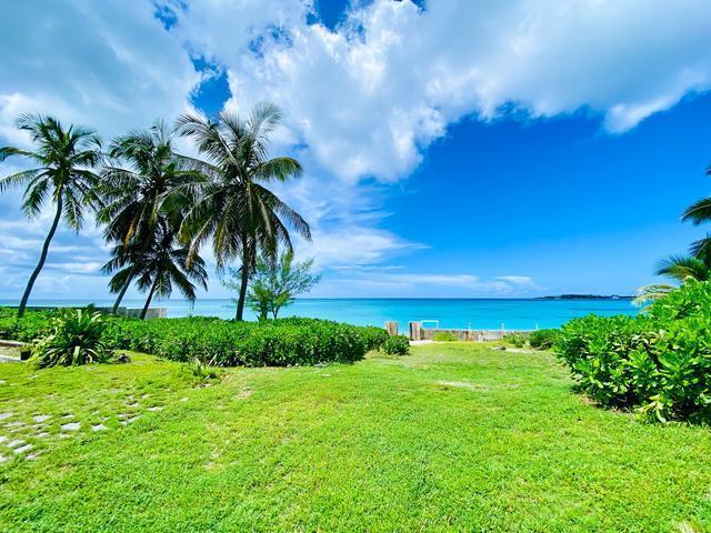 West-Bay-Street-Nassau-Bahamas-Ushombi-10