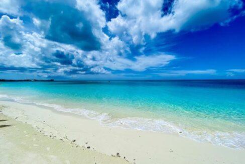 West-Bay-Street-Nassau-Bahamas-Ushombi-13