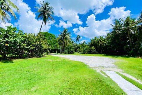 West-Bay-Street-Nassau-Bahamas-Ushombi-16