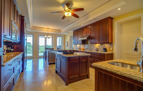 ocean-club-residences-unit-401-paradise-island-bahamas-ushombi-7