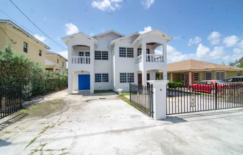 seabeach-estates-townhouse-bahamas-ushombi-2