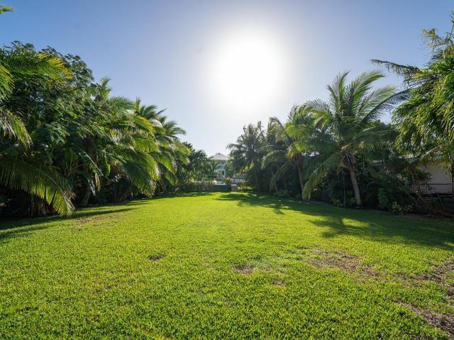262-Eastern-Road-New-Providence-Paradise-Island-Bahamas-Ushombi-18