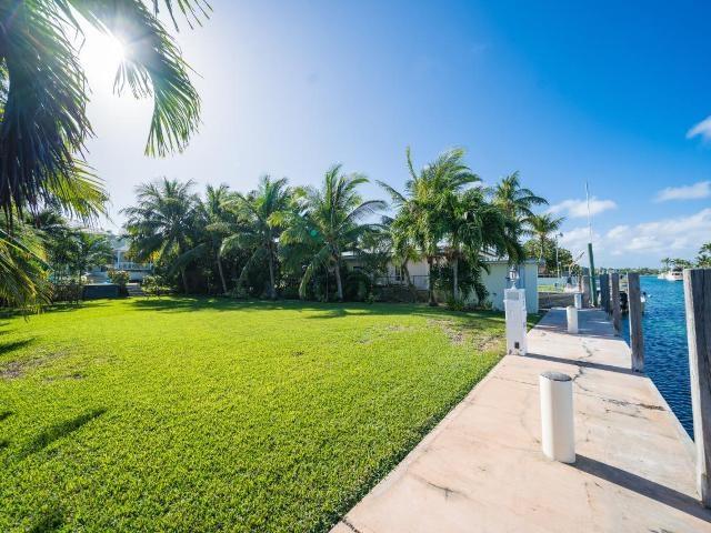 262-Eastern-Road-New-Providence-Paradise-Island-Bahamas-Ushombi-3