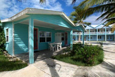 QUEENS-HIGHWAY-Villa-33-Exuma--Exuma-Cays-Bahamas-Ushombi-1