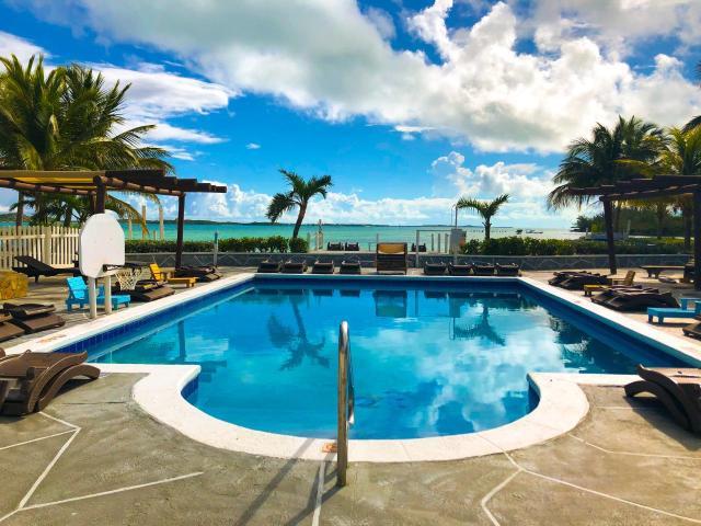 QUEENS-HIGHWAY-Villa-33-Exuma--Exuma-Cays-Bahamas-Ushombi-12
