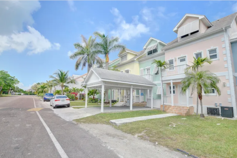 Renovated-Sandyport-Townhome-Nassau-Bahamas-Ushombi-12