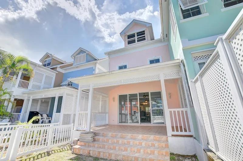 Renovated-Sandyport-Townhome-Nassau-Bahamas-Ushombi-2