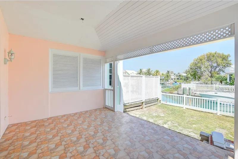 Renovated-Sandyport-Townhome-Nassau-Bahamas-Ushombi-21