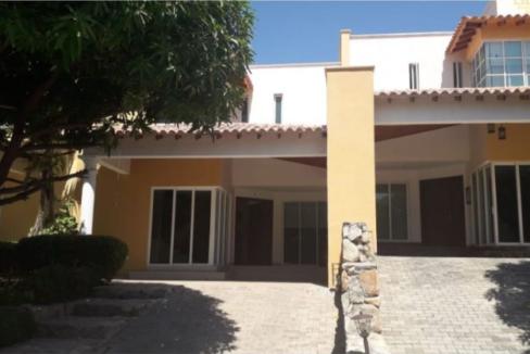 Rodadero-Luxury-Home-Santa-Marta-Colombia-Ushombi-1