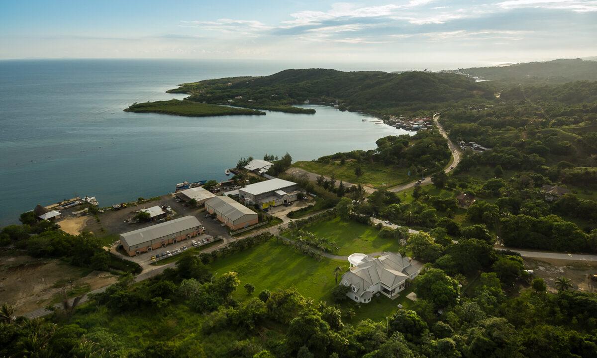 Tropical-Dream-Estate-Roatan-Island-Honduras-Ushombi-2