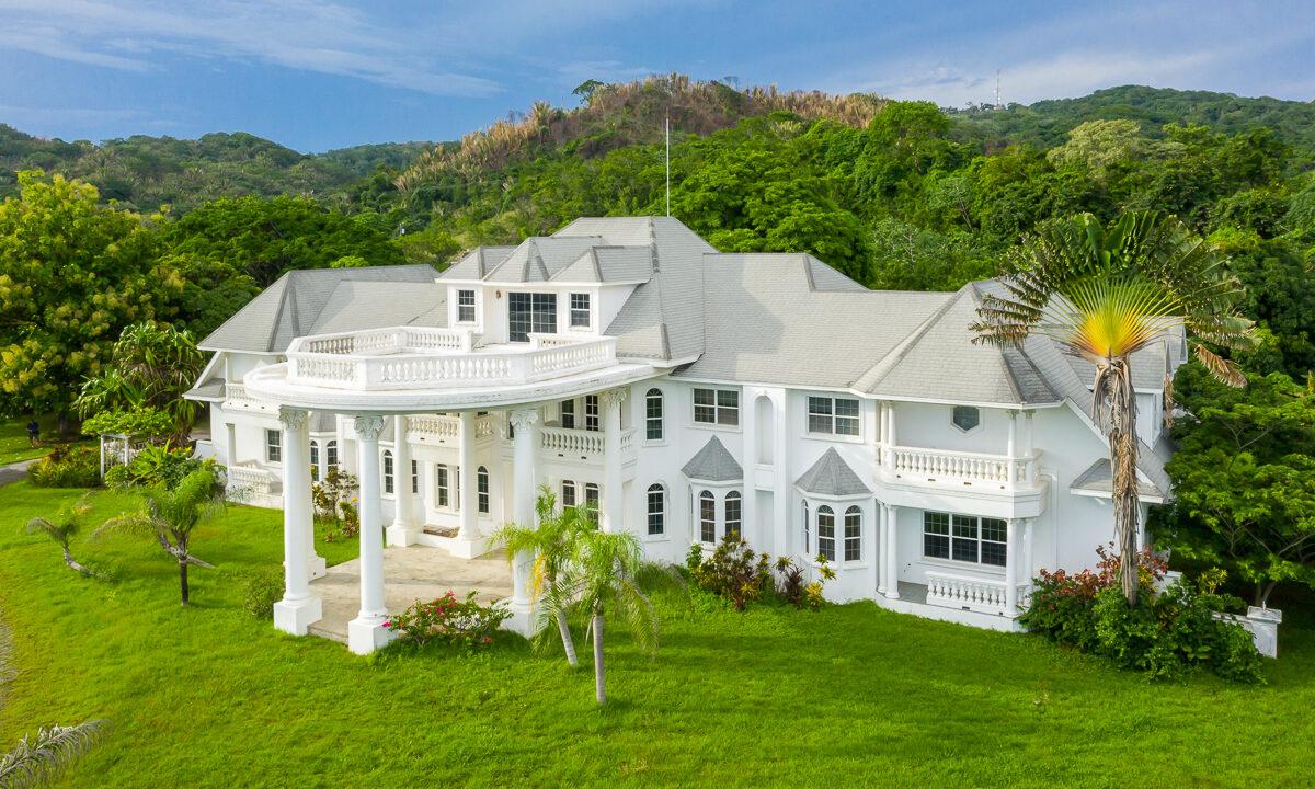 Tropical-Dream-Estate-Roatan-Island-Honduras-Ushombi-8