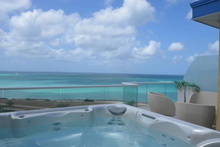je-irausquin-boulevard-blue-residences-eagle-beach-aruba-ushombi-1